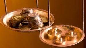 não adianta ganhar bem e gastar mal. educação financeira. cinco dicas para gastar melhor seu dinheiro.