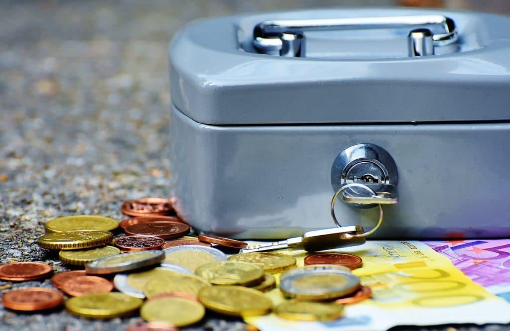 guardar dinheiro, cuide do seu dinheiro, poupar dinheiro